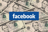 Facebook en contant geld — Stockfoto