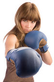 Mujer boxeo golpes — Foto de Stock