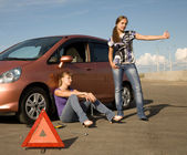 Cant fix our car! — Stockfoto