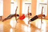 Real haciendo yoga — Foto de Stock