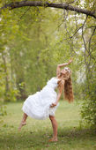 Bride in hippie style in spring park — Stock Photo