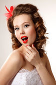 Gorgeous pin-up bride — Stock Photo