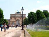 The Arc de Triomphe Carrousel in the Tuileries Gardens in Paris. — Stock Photo