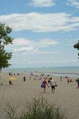Cena de praia de ontário de lago erie em dia ocupado de verão — Foto Stock