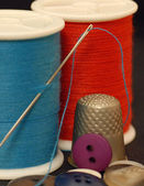 Sewing kit - thread, buttons, thimble, needle — Stock Photo