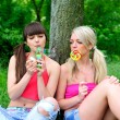 Two beautiful young women friends. - Foto Stock