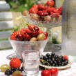 Berries with cocktail. — Stockfoto