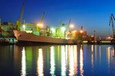 Seaport på natten — Stockfoto