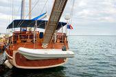 Sailing yacht at a mooring — Stock Photo