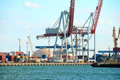 Trading port with cranes — Stockfoto