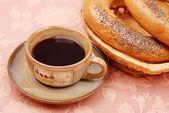 Café con un bagel — Foto de Stock