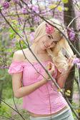 Beautiful smiling girl outdoor — Stock Photo