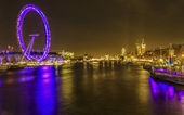 River Thames with view of the London Eye — Stock Photo