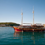 Pleasure craft boat in Adriatic sea Croatia, on excursion tour — Stock Photo