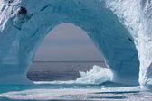 Ledovce z pobřeží grónska, atlantský oceán. — Stock fotografie