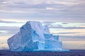 Huge Iceberg floating in the Drake Passage, Antarctica — Stock Photo