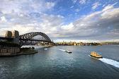 Ferry heading towards Sydney Harbour Bridge, New South Wales, Australia — Stock Photo