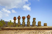 Ahu Nau Nau Moai Statues at Anakena Beach with red scoria headdress's, Easter Island, Chile. — Stok fotoğraf