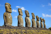 View of seven Ahu Akivi Moai, which are the only Moai to face the sea, Rapa Nui, Easter Island, Chile. — Stock Photo