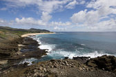 View from Halona towards Sandy Beach Park on the southern coast of Oahu, Hawaii. — Stock Photo