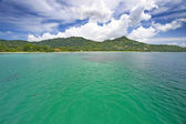 Turquoise sea off the coast of Mahe, Seychelles. — Stock Photo