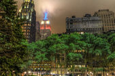 Empire State Building from Bryant Park — Stock Photo