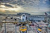 Boeing 747 at Hong Kong airport — Stock Photo