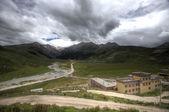 Edificios de gran altura en el tibet, china — Foto de Stock