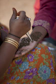 One of many Mehndi hawkers outside the India gate — Stock Photo