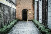 Yaşlı ahşap kapı — Stok fotoğraf