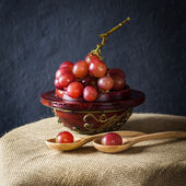 Still life red grapes — Stock Photo