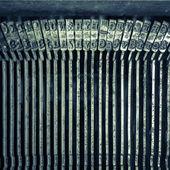 Stary tekst pisząc na maszynie do pisania listu typebar — Zdjęcie stockowe