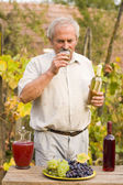 Old Man With Vine — Stock Photo