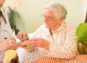 Leki na starej kobiety — Zdjęcie stockowe