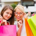 Kız alışveriş — Stok fotoğraf