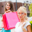 Gorgeous Girls Out in City Shopping — Stock Photo