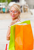 Gorgeous Blond Girl Shopping — Stock Photo