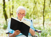 Reading Senior Lady — Stock Photo