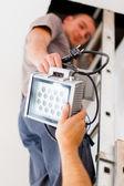 Trabalho de equipa electricista — Foto Stock