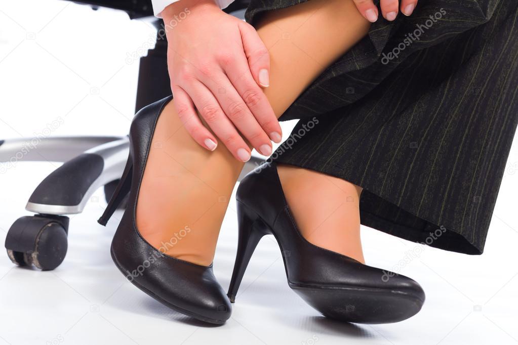 Надевать обувь интимный сонник