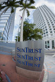 Sun Trust Bank sign, Miami — Stock Photo