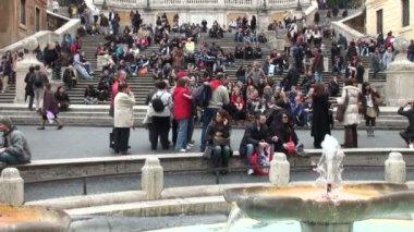 Turistas na escadaria espanhola, Roma — Vídeo stock