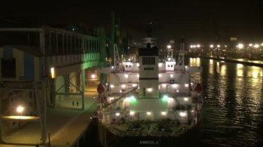 Navio de carga no porto de casablanca, noite — Vídeo stock