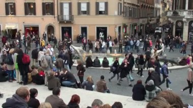 Tourists in Piazza di Spagna, Rome, Italy — Stock Video