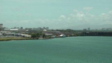 Landing in Isla Grande Airport in Puerto Rico — Stock Video