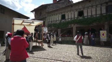 Shooting blanks during an historic commemoration of the French Revolution — Stock Video