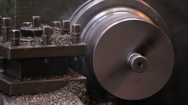 Industrie lourde - acier sur un tour à l'usine de traitement — Vidéo