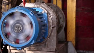 Heavy industry - Electric motor, how it made. A motor that converts electricity to mechanical work — Stock Video