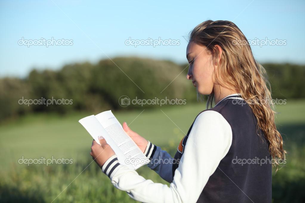 Фотки девушки курчавой блондинки вид сзади фото 108-790
