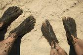 Modderige tenen en voeten — Stockfoto